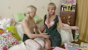 stepsister make believe her Step-sister how to Fuck with Strap-On