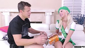 Slutty cookie girl Bella Rose shows yummy pussy to one married guy