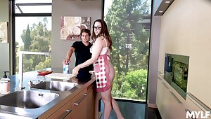 Young Hawkshaw brings out nonpareil far perky MILF Chanel Preston