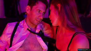 Sexually compulsive babe Audrey Hempburn is making love with four married guy