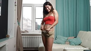 Gorgeous unassisted cutie Alice Kelly moans while pleasuring her cravings
